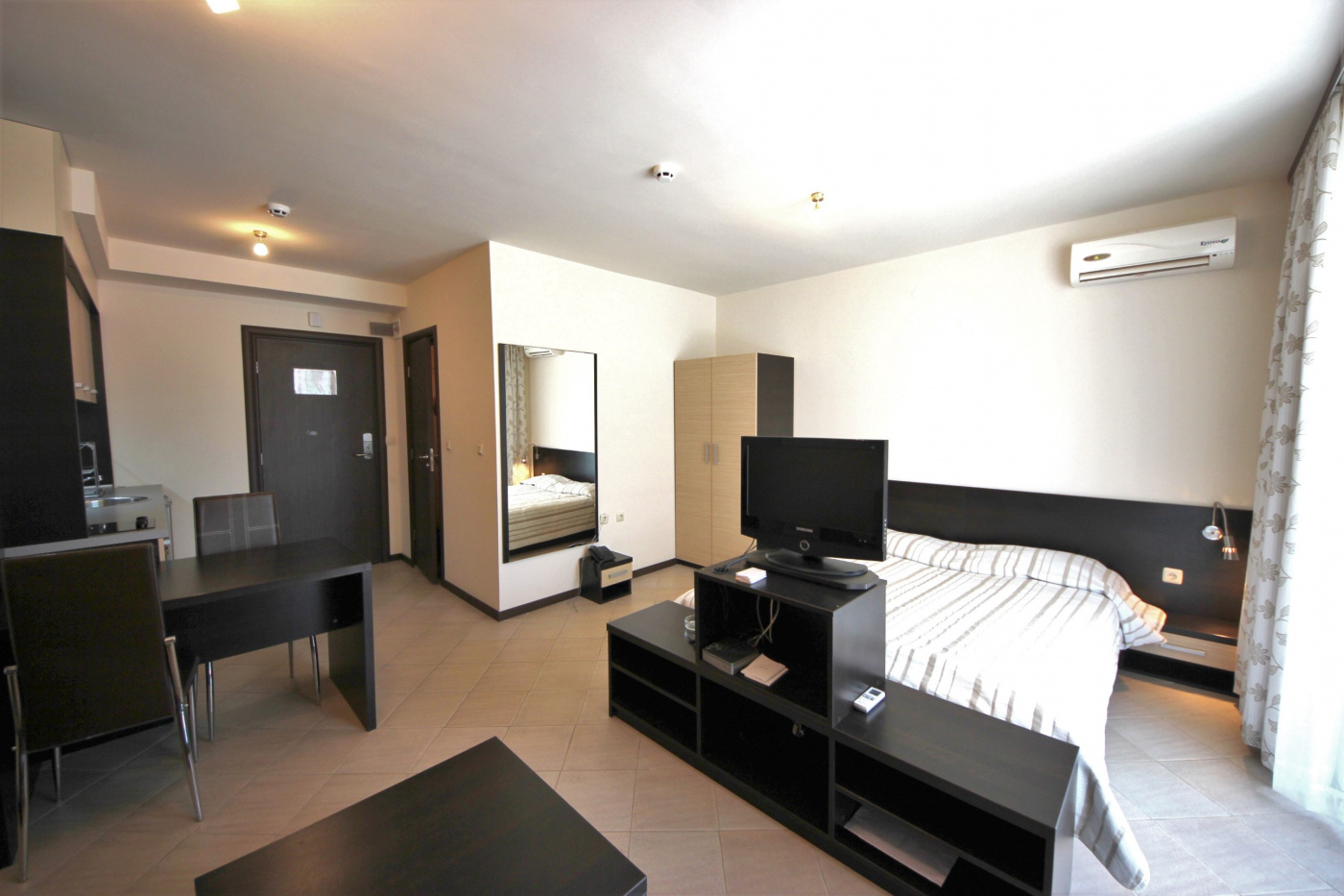 Tarsis апартамент 1A 9
